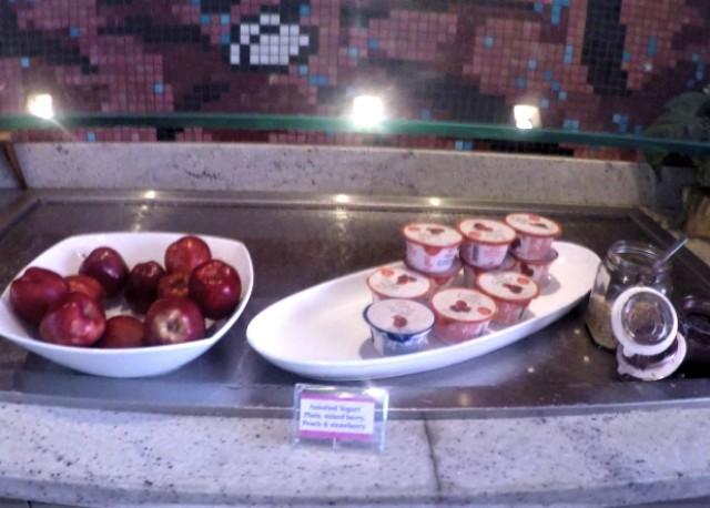 ロイヤルハワイアンホテルのマイラニラウンジの朝食