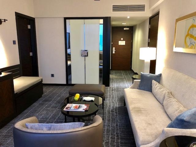 香港スカイシティマリオットホテルのスイートルーム