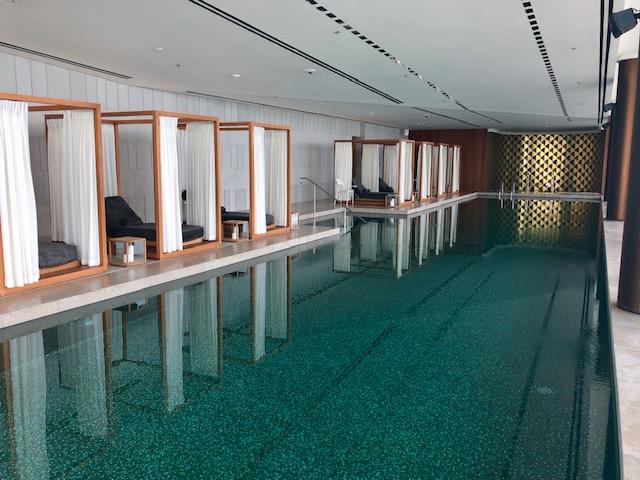 ブルガリ リゾート ドバイのプール
