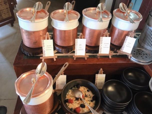 アルマハ ラグジュアリーコレクションドバイの朝食