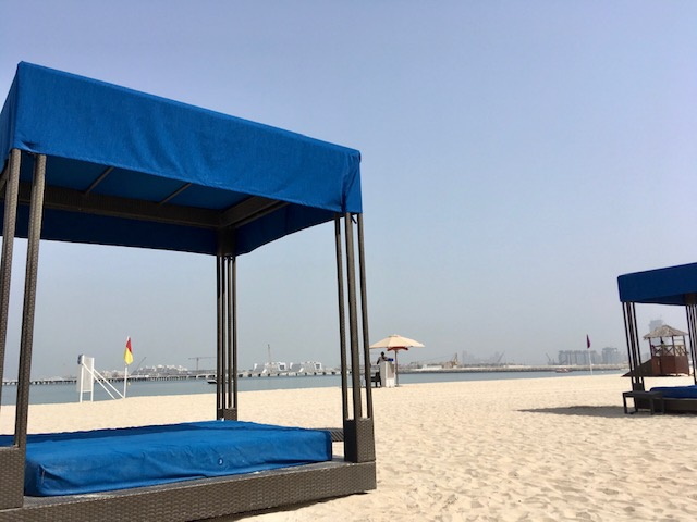 リッツカールトンドバイのビーチ
