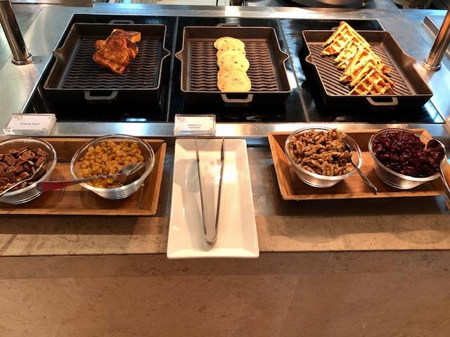 リッツカールトンドバイのレストラン朝食