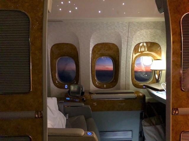 エミレーツ航空B777 ファーストクラス