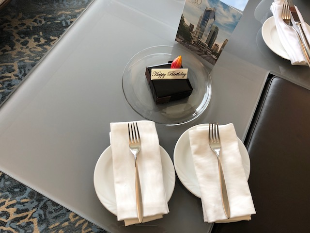 JWマリオットからのバースデーケーキ