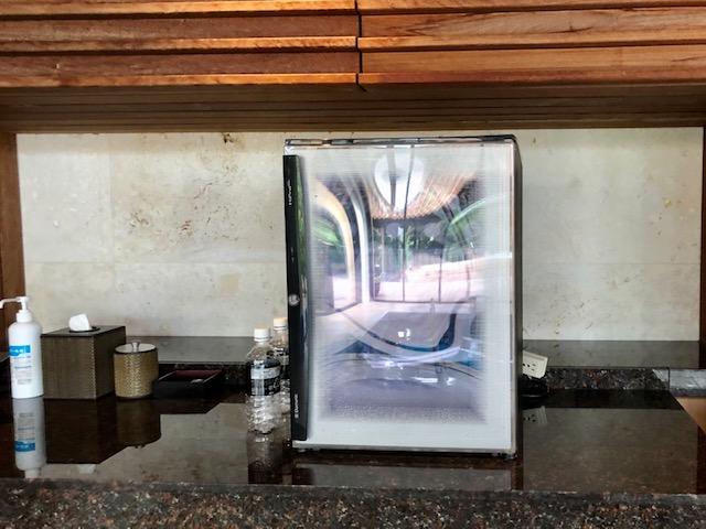 リッツカールトン沖縄の室内プール