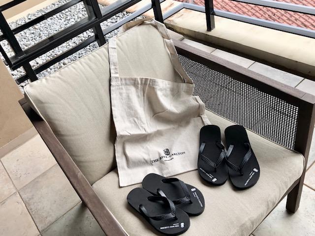 リッツカールトン沖縄の無料トートバッグとビーチサンダル