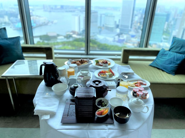 コンラッド東京ルームサービスの朝食