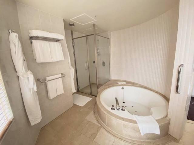 プリンスさくらタワー東京スイートルームのバスルーム